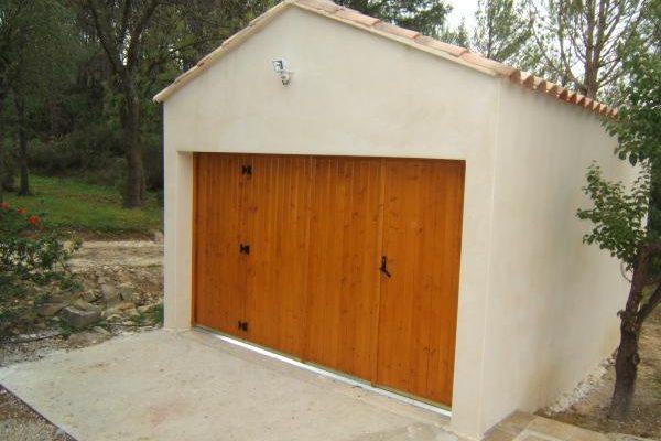 Atmosph re portes de garage et portails montpellier et for Garage sete route de montpellier