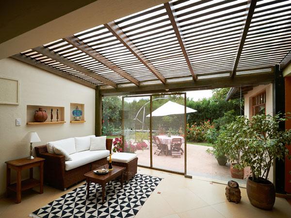 pose de stores moustiquaires brise soleil dans la zone de montpellier. Black Bedroom Furniture Sets. Home Design Ideas